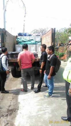 Pendistribusian Logistik Pemilu dari KPU Kabupaten Buleleng ke Desa Banyuseri